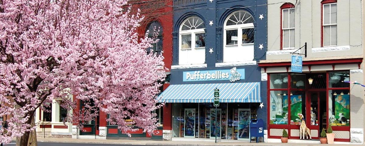 Staunton, Virginia Toy & Book Shop: Pufferbellies